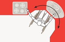 I fornelli e il lavabo disposti su piano angolare sagomato per permettere di lavorare senza spostamenti della carrozzina per un disabile